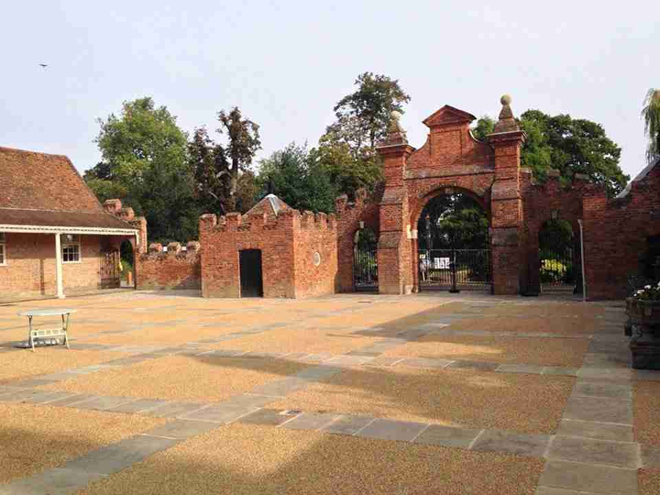DecraStone Resin Bonded Courtyard - Forty Hall, Enfield