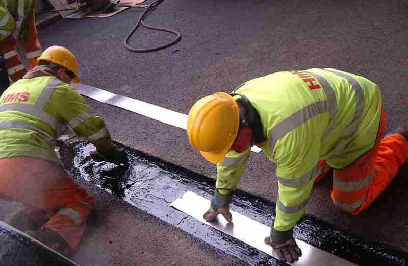Bridge Expansion Joint Work by HMS