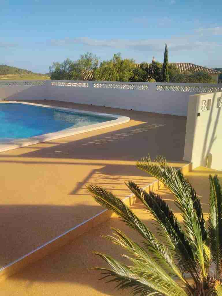 Decra Set Resin Bound Swimming Pool