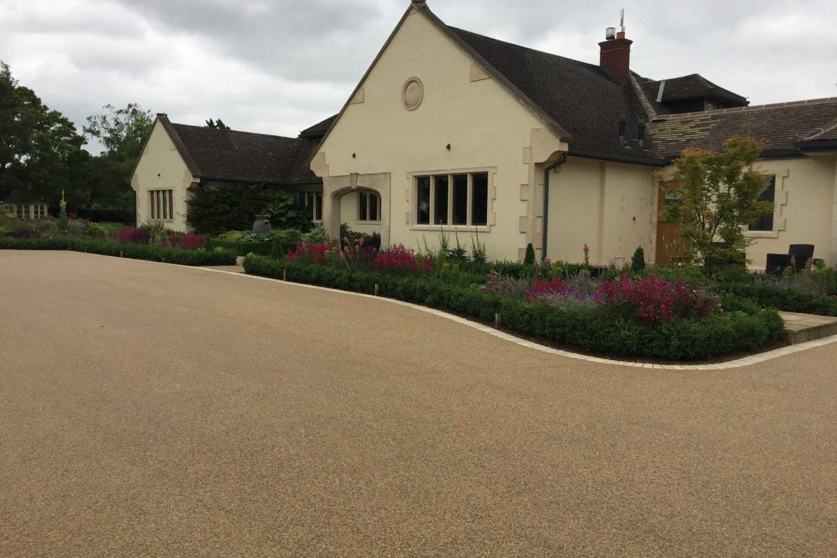 DecraSet Resin Bound Driveway - Property in Barford Martin